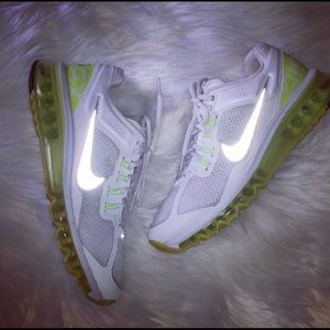nike free tr 3 hypercool trainers neon yellow sneakers